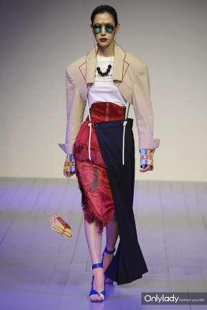 将丹药昆曲山海经搬上T台看这个服装品牌如何颠覆东方美学